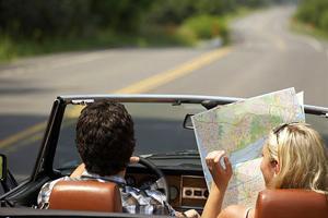10 основни правила ако пътувате с кола
